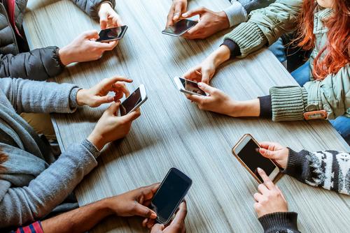 technology-addiction-phones